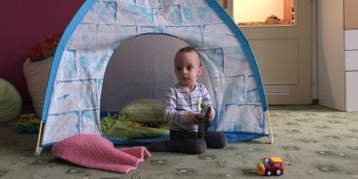 VIDEO: Charitativní bazárek přispěje Danečkovi na potřebný lázeňský pobyt